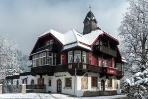 Innsbruck, L'Autriche, Hiver, Neige, La Glace, Arbres
